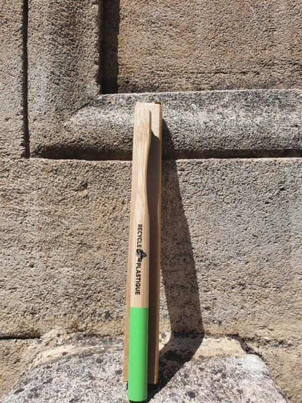 20210506 134345 600x800 - brosse à dent bambou recycle plastique